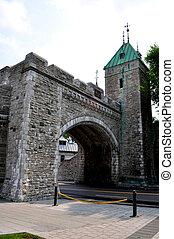 Fortification: Saint Louis door in Quebec City