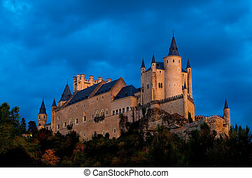 Fortress of Segovia - Fantastic castle and residence of ...