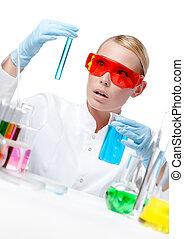 forundr, kvindelig doktor, ind, spectacles, gør, noget, eksperimenterne