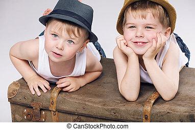 foto, av, le, bröder, tröttsam, vit, kläder