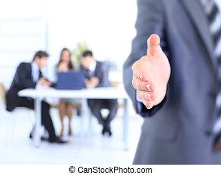 foto, de, aperto mão, de, sócios negócio, após, assinando, prometendo, contrato
