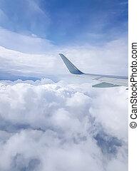 foto, di, ala aeroplano, cielo nuvoloso, da, oblò