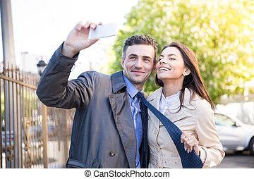 foto, junte ao ar livre, fazer, selfie, feliz