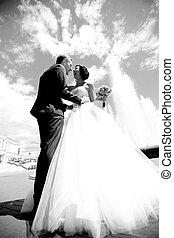 foto, nero-e-bianco, sposo, felice, sposa
