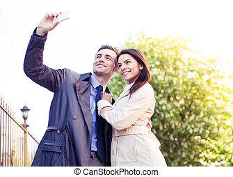 foto, par, jovem, fazer, selfie, feliz