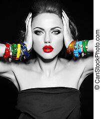 foto preta branca, de, mulher bonita, modelo, com, fresco, diariamente, maquilagem, com, lábios vermelhos, cor, e, limpo, saudável, pele