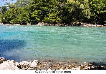 foto, von, blaues, sauberes wasser, in, berg, fluß