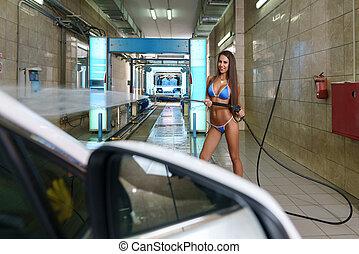 foto, von, sexy, baby, in, bikini, arbeiten, an, autowaschanlage