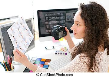 fotograf, frau, junger, wählen, bilder