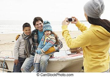 fotografia, inverno, família, levando, mãe, praia