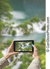 fotografiado, plitvice, lagos, con, tableta
