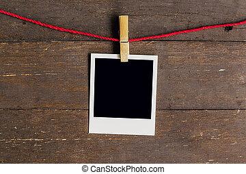 fotokader, hangend, clothesline, achtergrond., hout, leeg