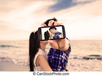 foto's, paar, telefoon, boeiend, verticaal, strand, zelf, smart
