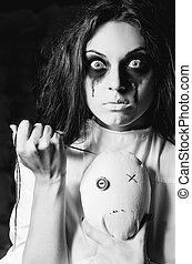 fou, scene:, moppet, poupée, horreur, aiguille, closeup, étrange, noir, blanc, girl, hands.