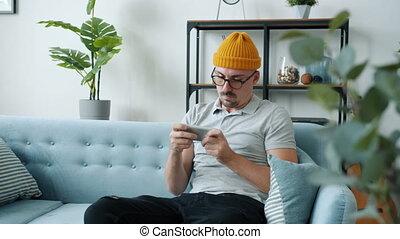 fou, smartphone, jeu, perdre, hipster, lancement, vidéo, sentiment, jeune, jouer