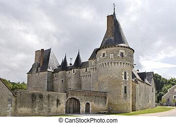Fougeres-sur-Bievre castle