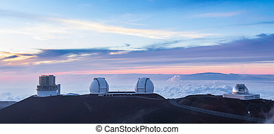 Four observatories at sunse, Hawaii - Above the main cloud...
