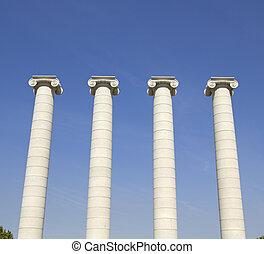 Four white columns, Barcelona - Four white columns near...