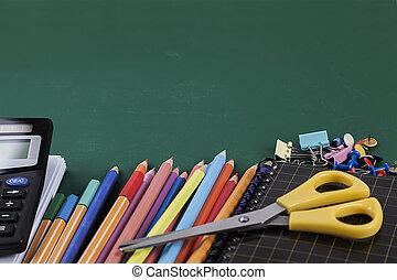 fournitures, école, vert, planche, fond