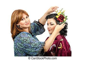 Fox-coloured hairstylist working