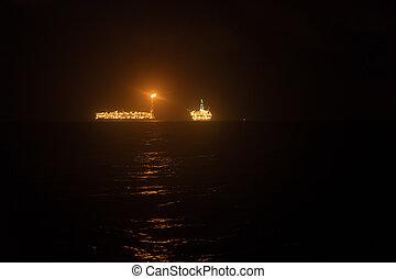 fpso, petroleiro, navio, perto, equipamento óleo, em, night., óleo offshore, e, gás, indústria