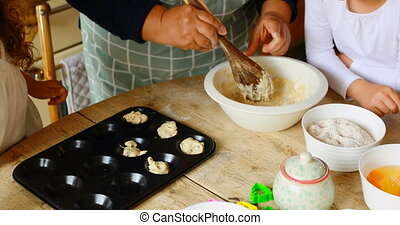 frères soeurs, grand-mère, petit gâteau, cuisine, préparer, ...