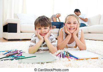 frères soeurs, mensonge, dessin, joyeux, plancher