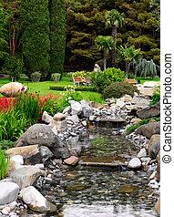 frühjahrsblumen, in, der, asiatisch, kleingarten