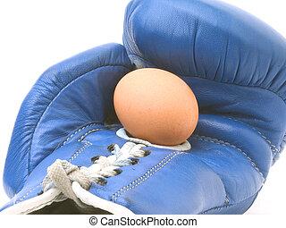 Fragile - Egg in boxing glove