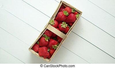 frais, boîte, arrière-plan., sain, bois, blanc, fraises
