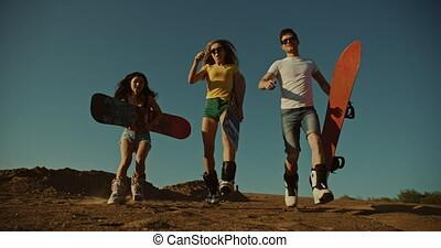 frais, course, sandboarders, coucher soleil, lumière, désert