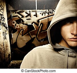 frais, regarder, voyou, dans, a, graffiti, peint, porte