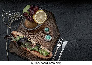 frais, sésame, bois, sandwich, saumon, pain fruit, plaque., délicieux, fumé