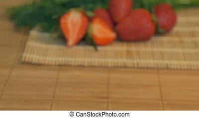 fraises fraîches, table