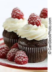 frambuesa, cupcakes, chocolate