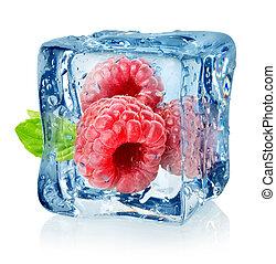 frambuesas, cubo, aislado, hielo