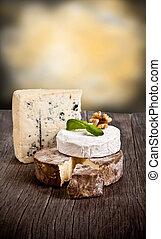 francese, formaggi, su, tavola legno
