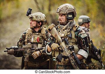 franco-atirador, equipe