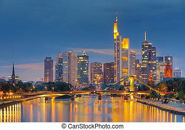frankfurt βρίσκομαι βασικός , τη νύκτα