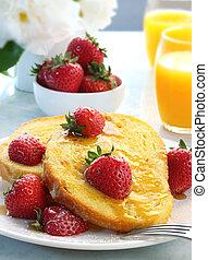 französischer toast, mit, erdbeeren