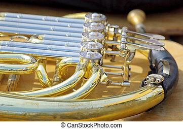französisches horn, hintergrund