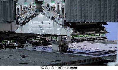 frapper, métal, usine, machine, tonte, feuille, automatique, fonctionnement