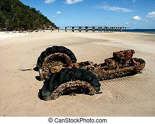 fraser island beach tractor