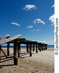 fraser island ocean pier