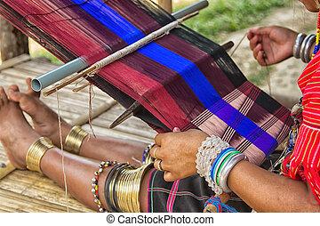 frau, arbeiten, der, loom., thailändisch, national, crafts.