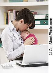 frau, arbeitende , laptop, neugeborenes, daheim, baby,...