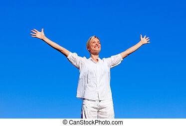 frau, arme, frei, gefühl, rgeöffnete, glücklich