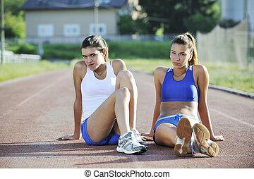 frau, athletische, junger, spur, rennen, glücklich