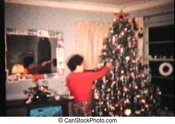 frau, baum, weihnachten, sie, bewundern