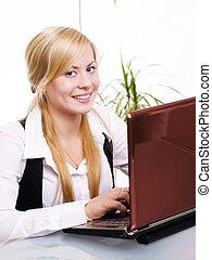 frau, buero, arbeitende , edv, blond, lächeln